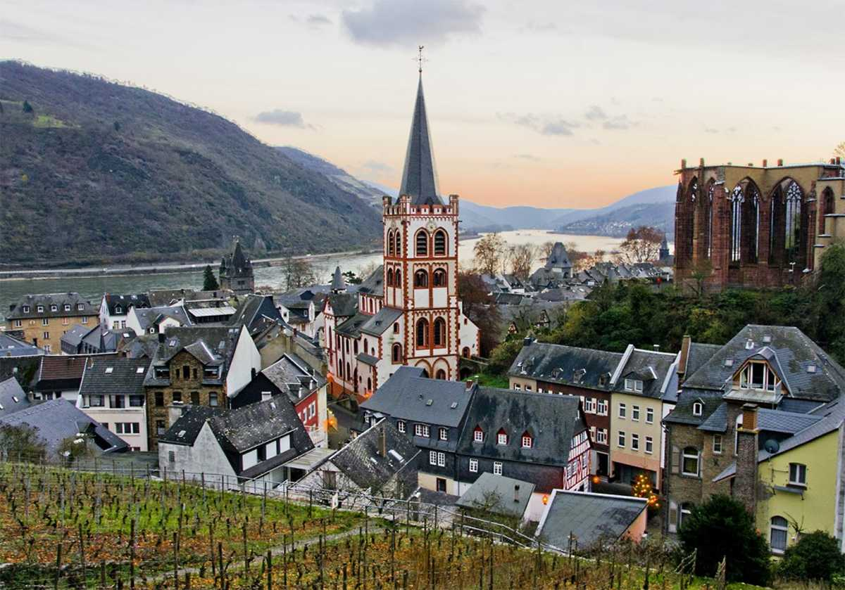 Affordable Castle Stays Burg Stahleck Bacharach Germany Medieval Town