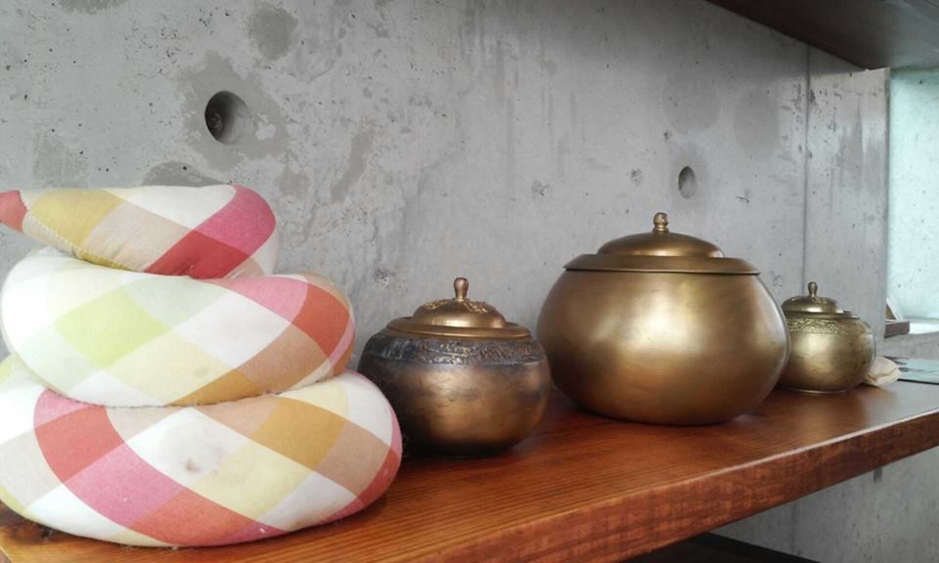 Ancient Toilet Pots now set as decoaration at the Ttong Cafe