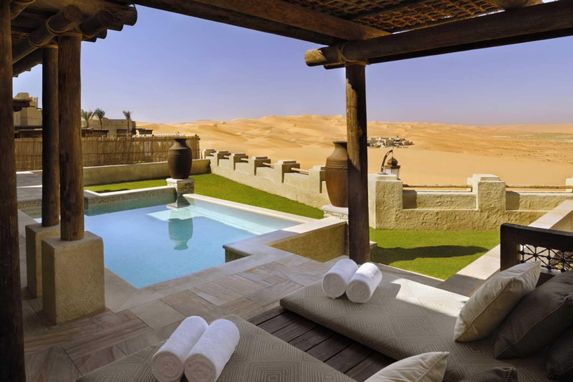 Abu Dhabi - Morning_outlook_from_private_pool_