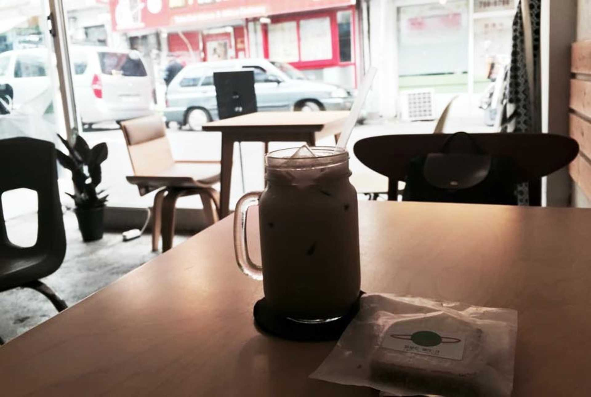 entrophy-coffee-cafe-itaewon-seoul-eid-guesthouse