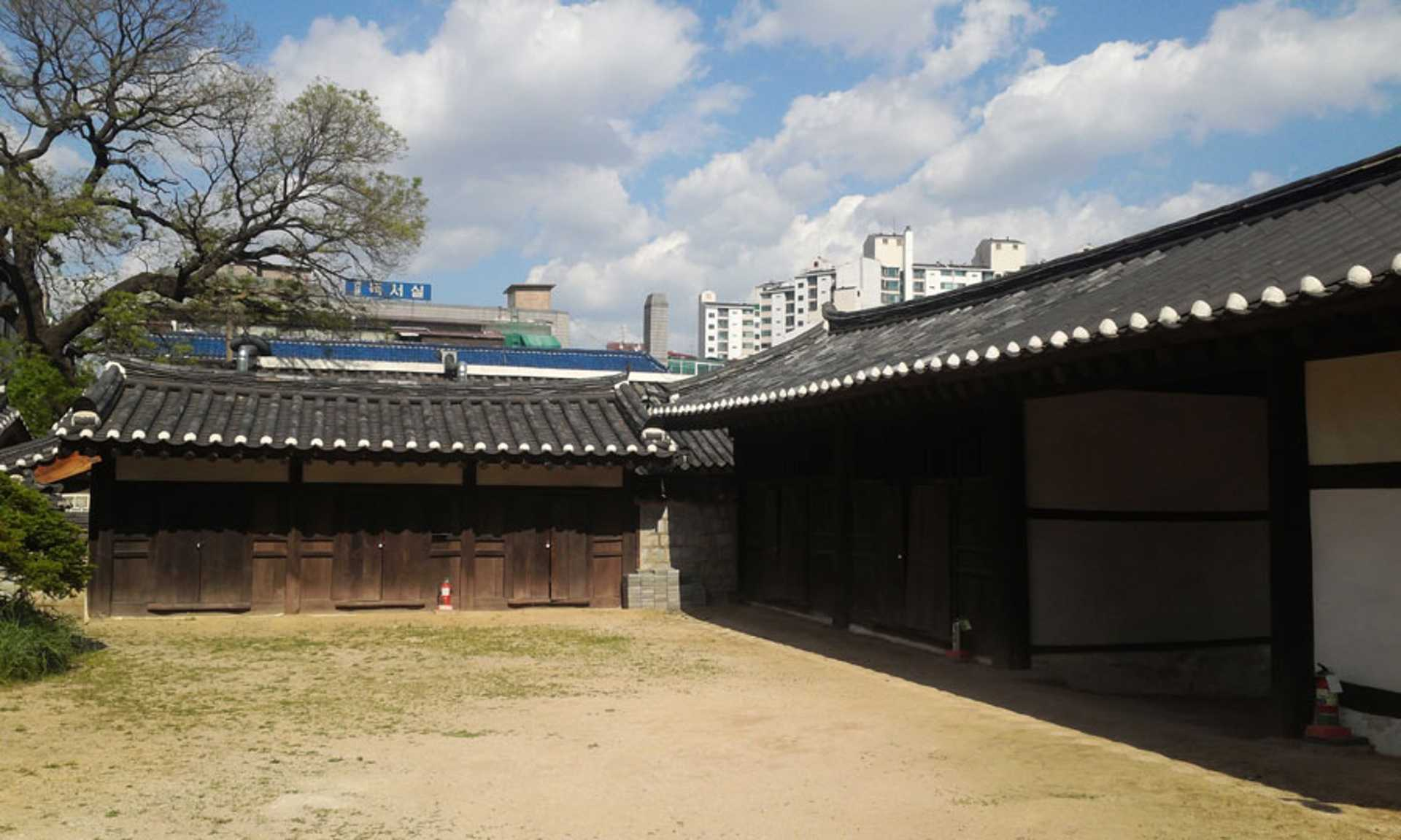 Joseon Dynasty buildings of SKKU, also featured in the drama Sunkyungkwan Scandal