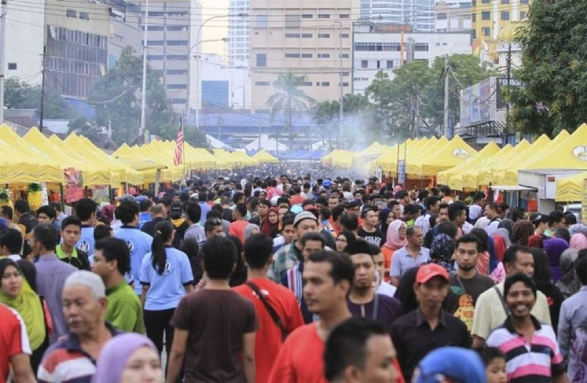 The bustling landscape of the yearly Ramadhan bazaar