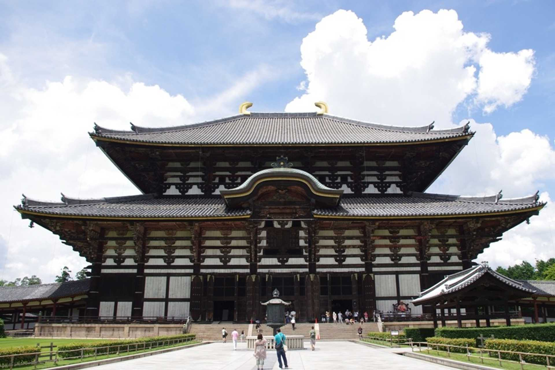 6 - A magnificent view of Todaiji Temple
