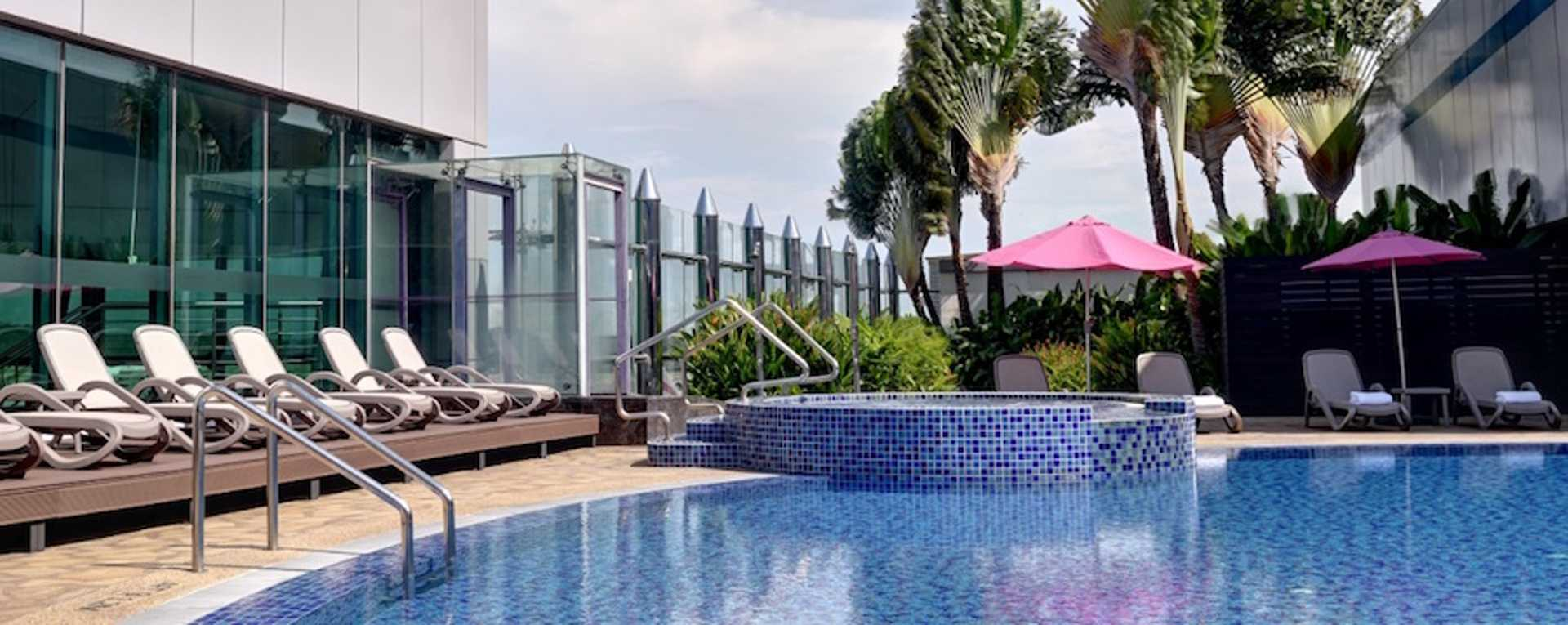 3-rooftop-swimming-pool