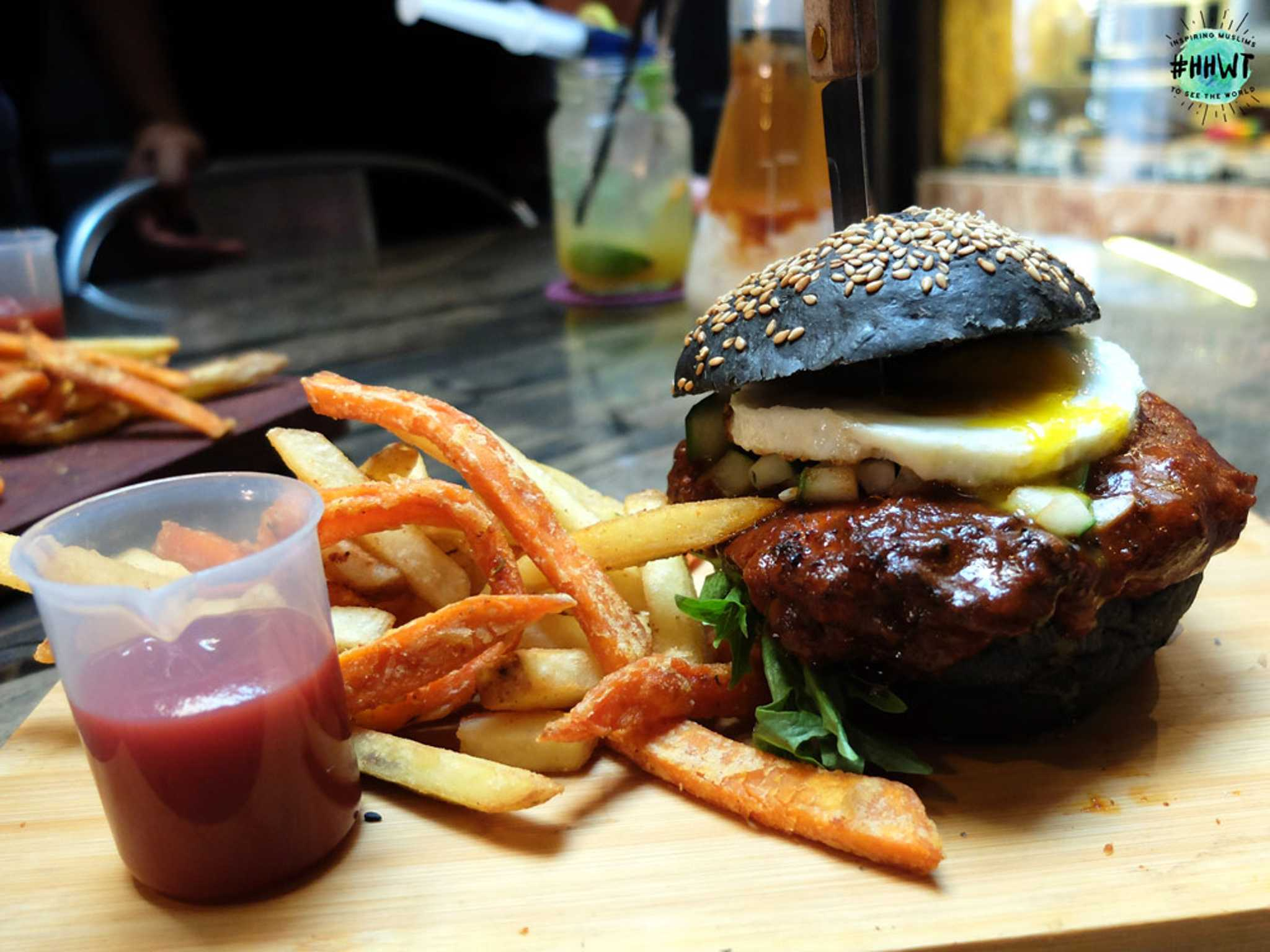 the-lab-charcoal-grilled-burger-2