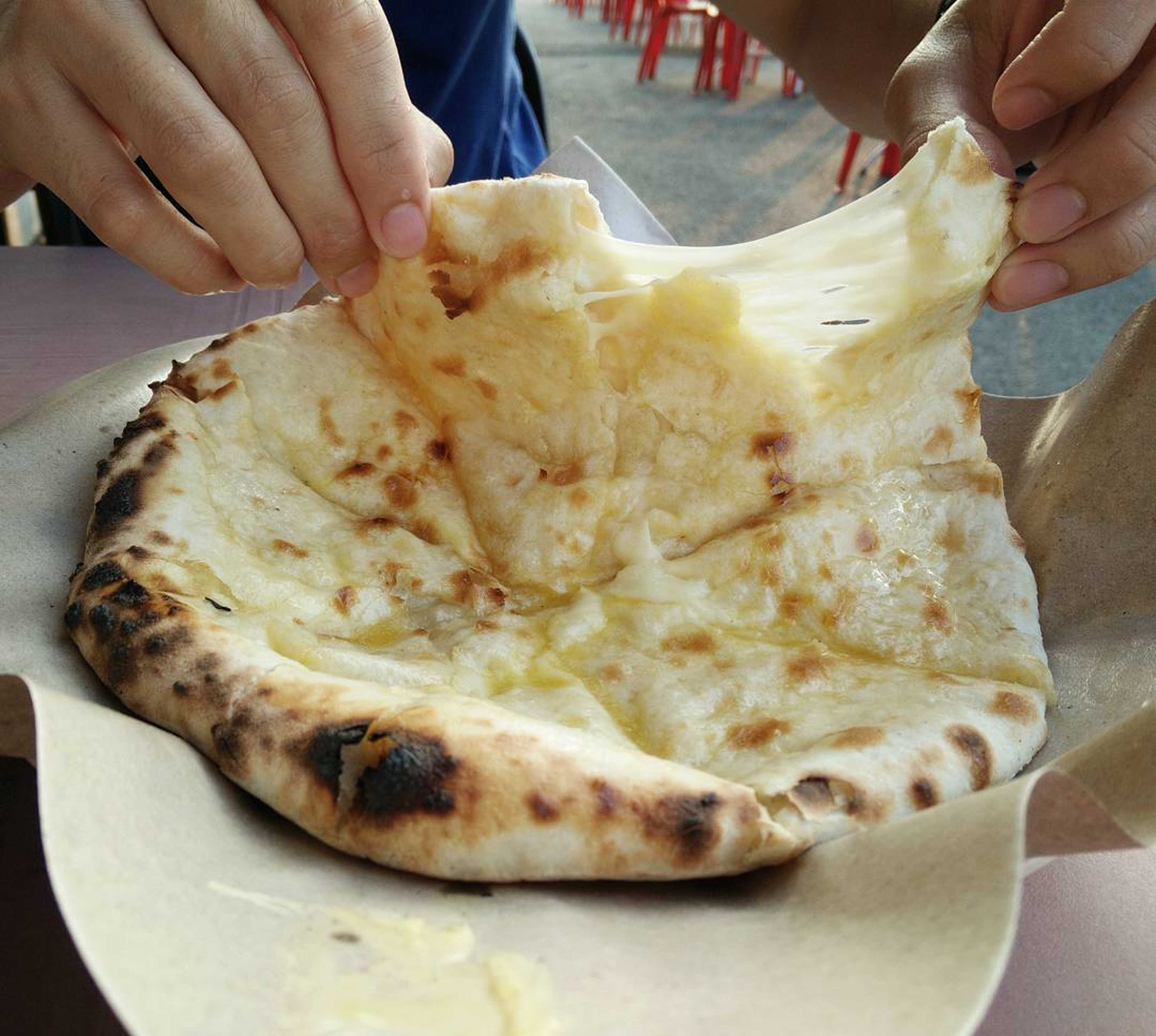 20 - Cheese Naan